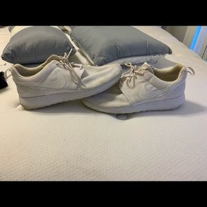 Nike shoes size 9.5